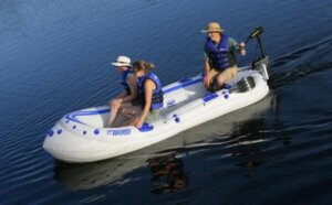 3 Best Trolling Motors For Kayaks- Guide Attach to inflatable kayak