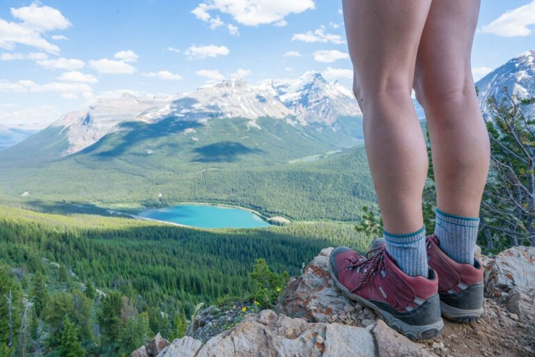 8 Best Hiking Boots for Women (Reviews + Buying Guide 2021)