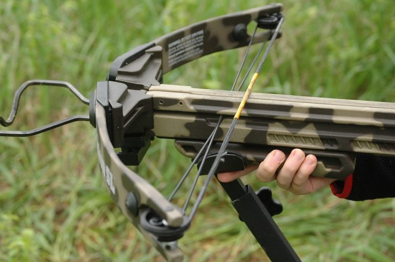 11 Best Crossbows For Hunting Reviews-Buyer Guide (Updated 2021)