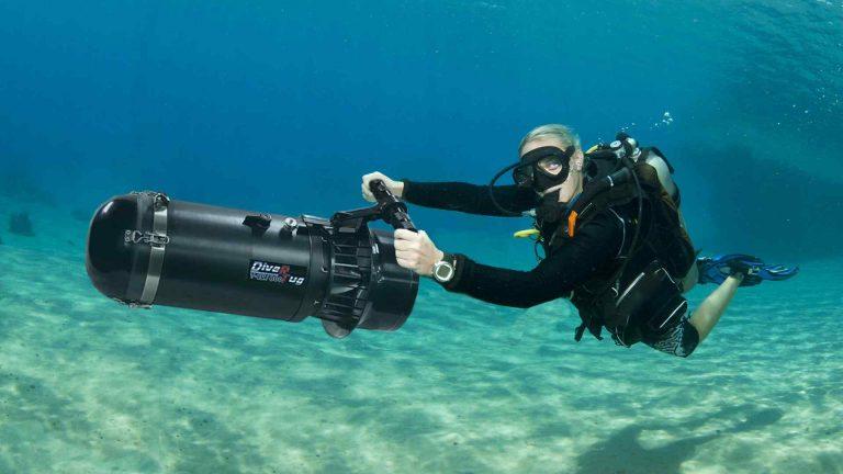 Top 4 Best Underwater Scooter Reviews – Buyer Guide 2021