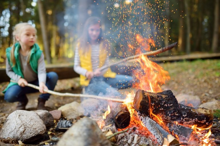 Planning a Family Camping Trip: 8 Things to Keep in Mind